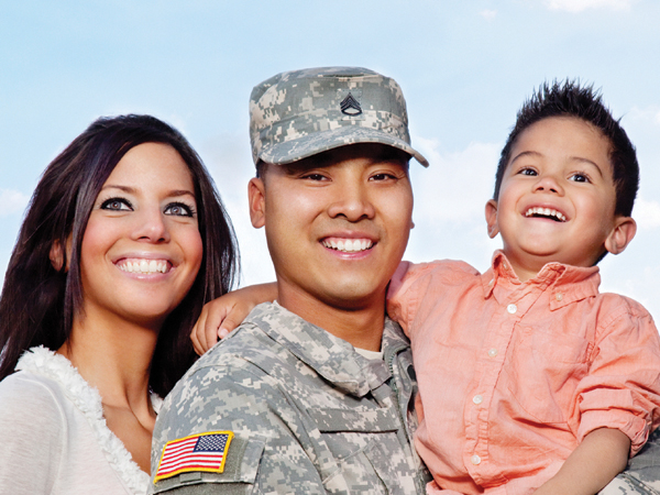 Military-family-crop